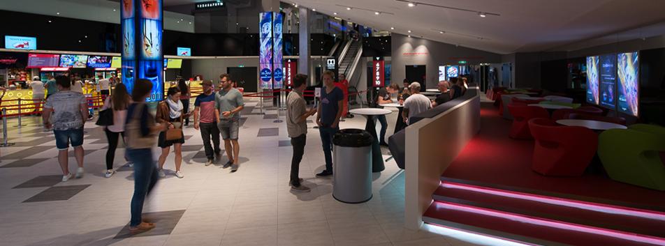 kino salzburg airport